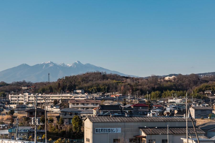 甲斐市-塩崎駅の近景