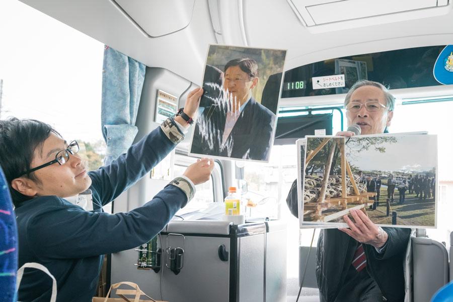 サプライズで登場した保坂武甲斐市長(写真右)甲斐市を全力PR!