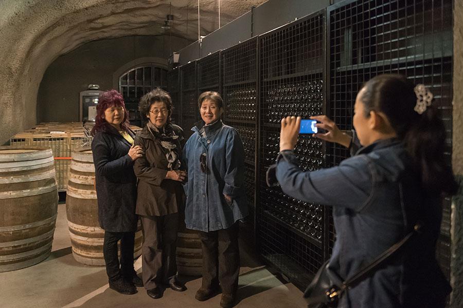 ワイン貯樽庫も見学