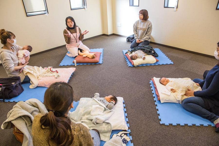 生後1か月半の赤ちゃんとママを対象にした『にこにこママルーム』